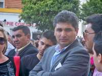 Cortés, arropado por unas 250 personas, afirma que luchará para que este caso