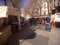 Los comerciantes del Paseo del Born avisan que la 'feria de chabolas' de su calle