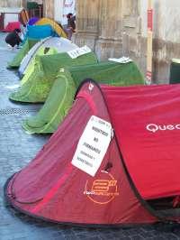 Finaliza la acampada sindical en la plaza Belluga de Murcia en protesta por el 'tijeretazo' de la Comunidad