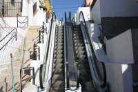 Instalada en San Juan de Aznalfarache la escalera mecánica del Barrio Alto