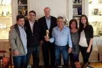 Vicente del Bosque muestra su apoyo a D'Genes Región de Murcia en el Día Internacional de las Enfermedades Raras
