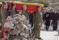 El Príncipe preside un funeral lleno de dolor y emoción por los cinco militares fallecidos