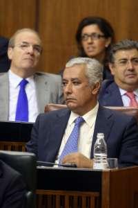 Arenas pide al PSOE-A que aclare por qué Rivas siguió tanto tiempo en cargos públicos y orgánicos estando imputado