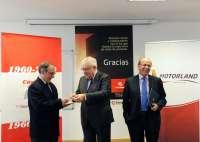 Motorland entrega 4.125 euros a Cáritas de la primera 'Invernal' celebrada en el circuito