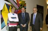 El pintor vasco Fermín Moreno recibe el premio de pintura del Parlamento de La Rioja 2011