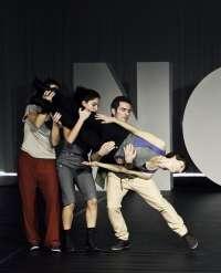 La compañía navarra 'Fueradeleje' estrena en el Auditorio Barañáin su tercera producción de danza contemporánea
