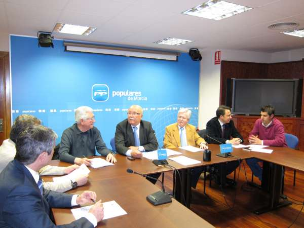 El Comité Electoral regional del PP aprueba las candidaturas y ratifica las listas de 17 municipios