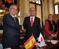 Málaga y Japón firman un convenio que permitirá contar con 200 coches eléctricos a partir de otoño