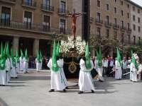 S.La Cofradía de las Siete Palabras realiza un Vía Crucis por las calles del Tubo de Zaragoza