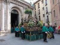 Miles de personas, muchas de ellas niños, acompañan a 'La Borriquilla' por las calles de Valladolid