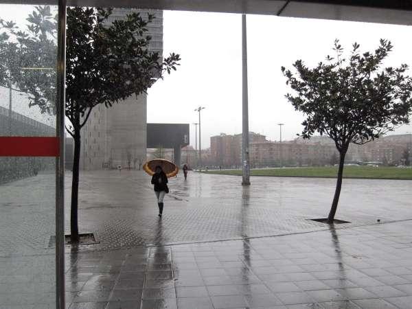 La semana comienza con lluvias y con una bajada de las temperaturas