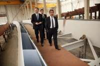 Revilla asegura que la solución al cierre del puerto de Requejada es