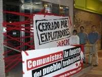 El PCPE inicia la campaña con el cierre simbólico de la sede de la Federación de Empresarios