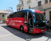22-M-El bus del 'Puro Cambio' de López recorre 5.000 kilómetros a ritmo de U2 y respaldado por un Gobierno casi en pleno