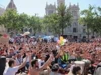 Cerca de 2.000 personas guardan 1 minuto de silencio en Valencia