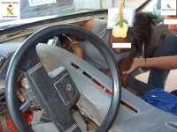 Descubren a una mujer subsahariana oculta en el salpicadero de un coche en la frontera de Melilla