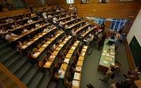 Más de 10.000 alumnos están convocados para realizar las pruebas de Selectividad que empiezan este miércoles en Galicia