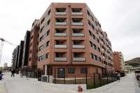 La compraventa de viviendas cae un 33,6% en el primer trimestre en Cantabria, más que la media
