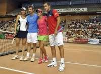 Más de 4.500 espectadores presencian el partido de tenis a beneficio de Lorca, que recauda 40.000 euros