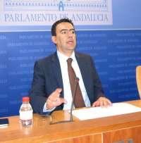 PSOE-A considera que la dirección de IU-CA está dando un