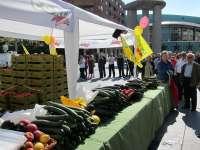 Horticultores regalan 40.000 kilos de productos para pedir apoyo tras sufrir pérdidas de 350 millones