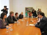 PSN descarta un Gobierno con Bildu pero no ha decidido si va a aceptar sus votos