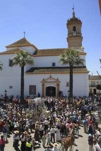 La hermandad matriz de Almonte y 36 filiales comienzan a peregrinar hacia la aldea de El Rocío