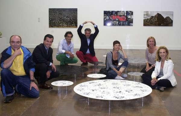 Una treintena de artistas convierten la rueda de en arte en una exposición en las Atarazanas