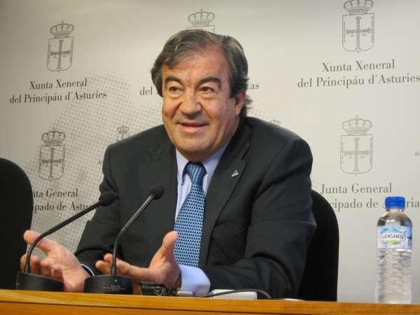 Cascos informa al PP que la negociación está abierta con carácter