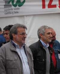 Llamazares acompañará a González el martes en su toma de posesión como procurador en CyL