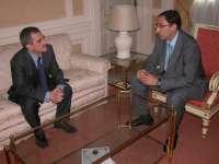 El alcalde de Palencia visita al subdelegado del Gobierno y al responsable de Defensa