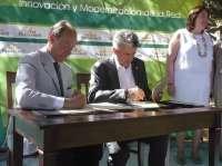 M.Junta firma un acuerdo con la Red de Paradores para fomentar los espacios naturales protegidos de Andalucía
