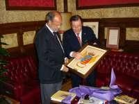 La residencia militar de estudiantes de Valladolid modifica el escudo para la conmemoración de sus 120 años