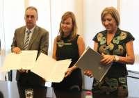 Pajín confía en que las CCAA lleguen a un acuerdo con los proveedores farmacéuticos