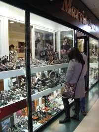 Las ventas del comercio minorista caen un 8,2% en Galicia, la segunda mayor disminución