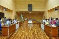 Fuengirola insta a la Junta a que derogue el decreto que supone el incremento del canon del puerto deportivo