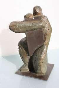 La escultora Sofía Tornero dona una de sus obras al patrimonio artístico del Ayuntamiento de Lorca