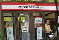 El número de parados creció en 3.517 personas en agosto y la cifra de desempleados se queda en 184.419