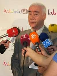 Alonso llama a los empresarios a aumentar las contrataciones aprovechando el remonte del sector