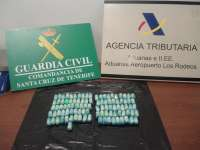 Arrestan a dos hombres en el aeropuerto Tenerife Norte con más de un kilo de cocaína en su organismo
