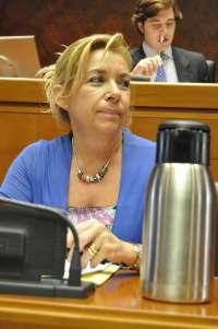 Serrat exige dar preferencia a las auxiliares de infantil despedidas tras el cambio de contrata