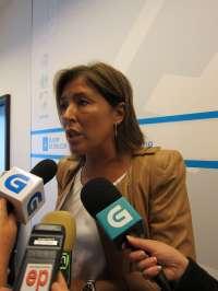 Mato cifra en 2.500 las plazas públicas en centros de día en Galicia a finales de año