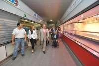 De la Torre visita el nuevo Mercado del Carmen, que estará compuesto por 90 autorizaciones para 37 actividades