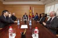 El Gobierno estrechará relaciones con la Cámara de Comercio para promover la internacionalización de las empresas