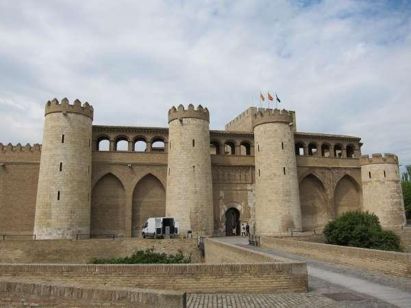 Las Cortes piden compensar las liquidaciones negativas de Aragón en 2008 y 2009 con déficit inversor del Estado