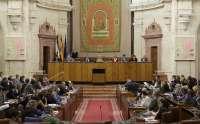 El Parlamento reclama que el Gobierno central abone a Andalucía el déficit en inversiones y rechaza reprobar a Zapatero