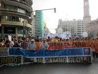 Decenas de miles de 'indignados' claman en Valencia por un cambio global