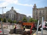 Las obras del tranvía obligan este lunes a desviar el tráfico en margen izquierda desde el puente de Santiago
