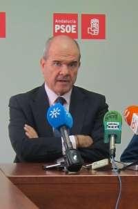 Chaves cree que el congreso del PSOE se celebrará en enero o febrero