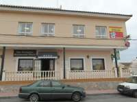 El Ayuntamiento de Orihuela clausura un colegio ilegal instalado en un centro comercial